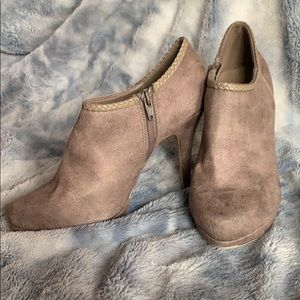 Grayish tan heeled booties size 8
